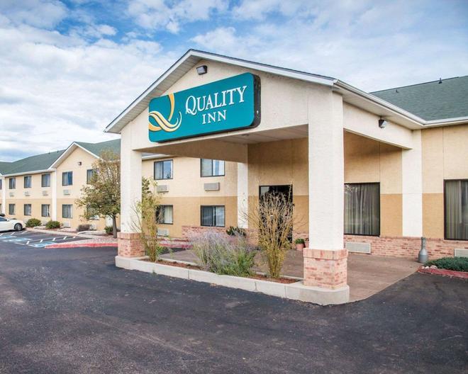 Quality Inn Colorado Springs Airport - Colorado Springs - Building