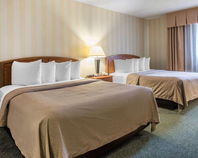 Quality Inn Colorado Springs Airport - Colorado Springs - Bedroom