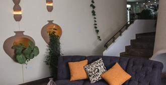 Jardines del Cerro Hotel Boutique - Cochabamba - Living room