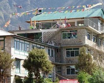 Buddha Lodge - Phakding - Building