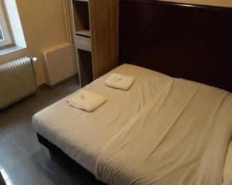 Hotel Azur - Nancy - Schlafzimmer
