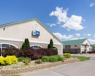 Best Western Pioneer Inn & Suites - Grinnell - Gebäude
