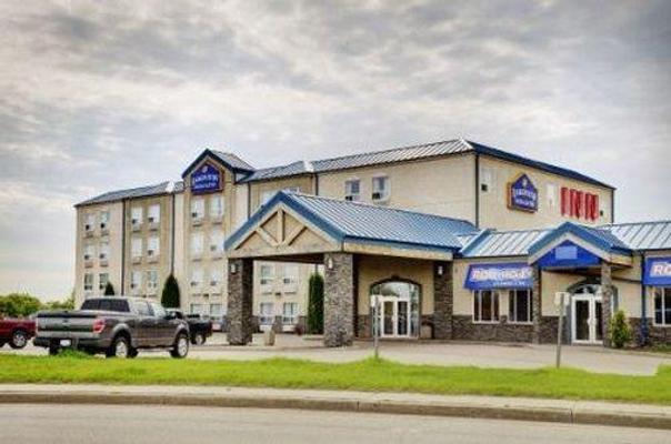Lakeview Inns & Suites Fort Saskatchewan - Fort Saskatchewan - Building