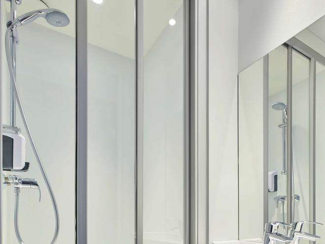 Hotelf1 Beauvais - Beauvais - Bathroom