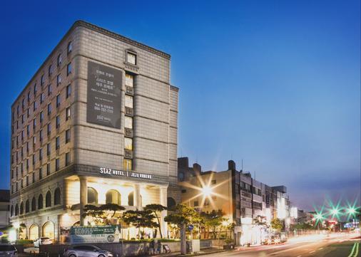 Staz Hotel Jeju Robero - Jeju City - Building