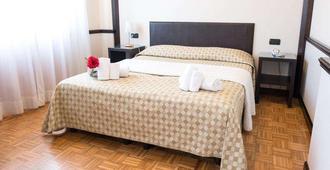Hotel Astoria - Fidenza - Bedroom