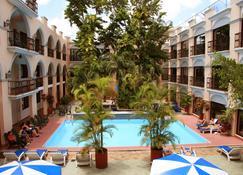 Hotel Doralba Inn - Mérida - Pool