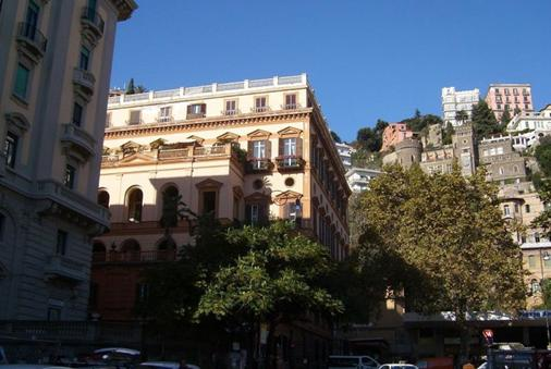 Amedeo - Νάπολη - Κτίριο