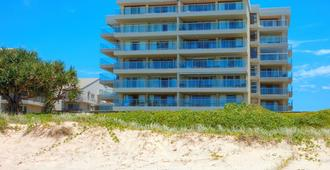 Pacific Surf Absolute Beachfront Apartments - Bilinga