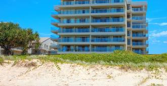 Pacific Surf Absolute Beachfront Apartments - Bilinga