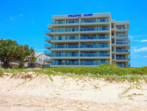 Pacific Surf Absolute Beachfront Apartments - Bilinga - Building