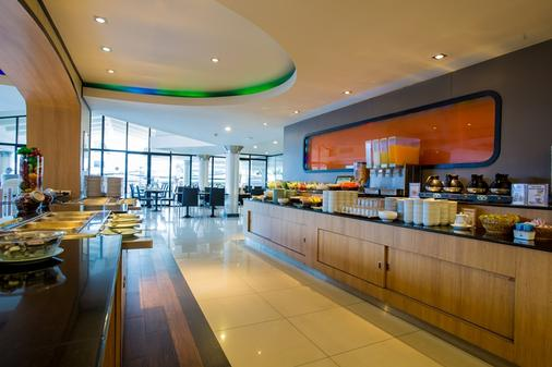 Flipper House Hotel - Pattaya - Buffet