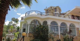 Lavington Hill House - Nairobi - Building