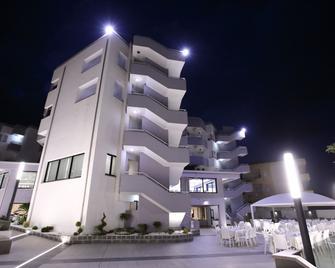 Hotel Melissa - Torre Melissa - Edificio