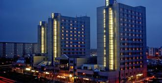 City Hotel Berlin East - Berliini - Rakennus