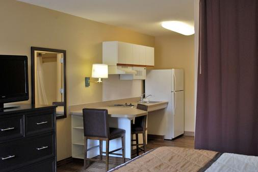 Extended Stay America - Chicago - Vernon Hills - Lincolnshire - Vernon Hills - Bedroom
