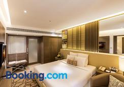 The Resort - Mumbai - Bedroom