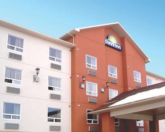 Days Inn by Wyndham Athabasca - Athabasca - Building