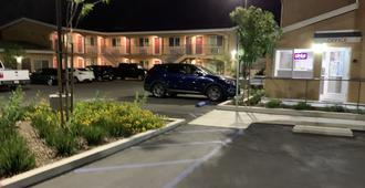 Desert Inn Motel - Corona