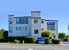 Americas Best Value Inn Novato Marin Sonoma - Novato - Building