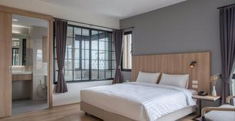 Mii Hotel Srinakarin - Bangkok - Bedroom
