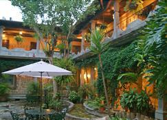 Hotel Elvir - Santa Rosa Copan - Vista del exterior