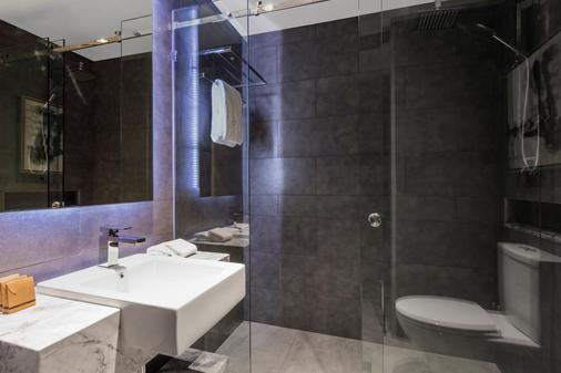 Gambaro Hotel Brisbane - Brisbane - Bathroom
