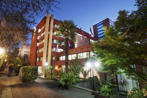 Panamericana Hotel Providencia - Santiago - Building