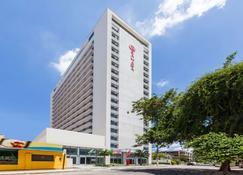 Ramada Hotel & Suites Campos Dos Goytacazes - Campos - Building
