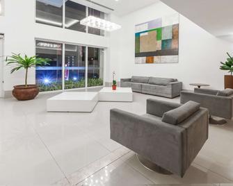 Ramada Hotel & Suites Campos Dos Goytacazes - Campos - Salónek