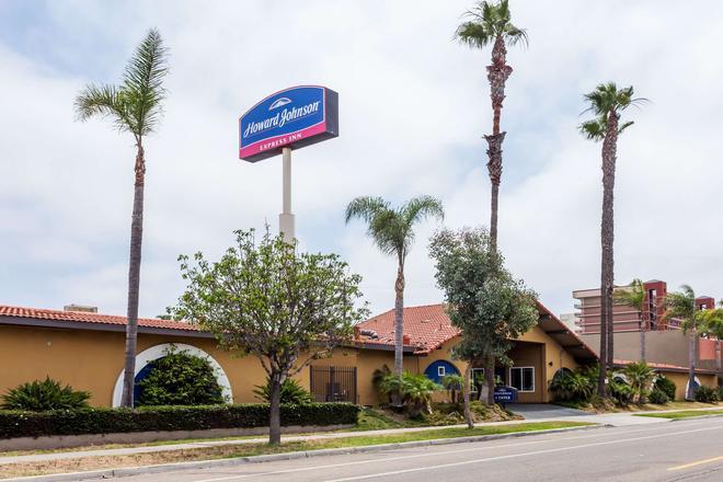 Howard Johnson by Wyndham National City/San Diego South - Нешнел-Сити - Здание