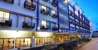 Aston Pontianak Hotel and Convention Center - Понтианак
