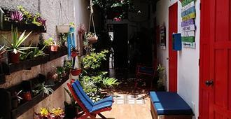 La Puerta Roja Guest House - Santo Domingo - Patio