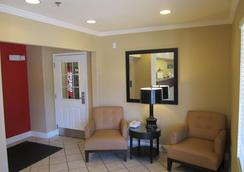 Extended Stay America - Phoenix - Scottsdale - Old Town - Scottsdale - Living room