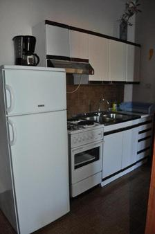 Dolac Guesthouse - Zadar - Kitchen