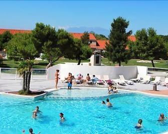 Lagrange Vacances Le Mas de Torreilles - Torreilles - Pool