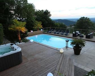 Chambres d'hôtes Le Repère des Anges - Montferrand-le-Château - Pool
