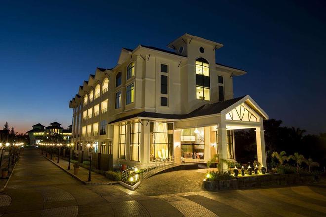 Clarks Exotica Airport Hotel - 德瓦恩哈爾利 - Devanhalli - 建築
