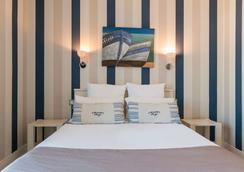 The Originals Boutique, Hôtel Miramar, Royan (Inter-Hotel) - Royan - Bedroom