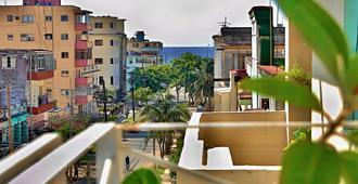 Casa Adis Y Maibel - Havana - מרפסת