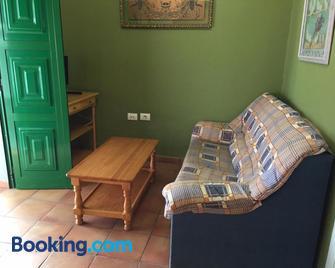 Alojamiento Rural La Montaña - Tejeda - Living room