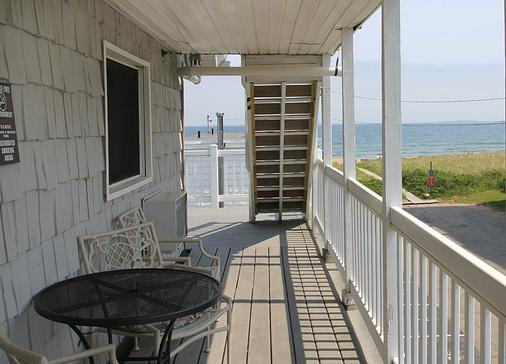 Sea Cliff House Motel - Old Orchard Beach - Balcony