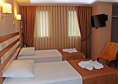Feza Otel - Trabzon - Bedroom