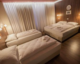 Hotel Center - Postojna - Bedroom