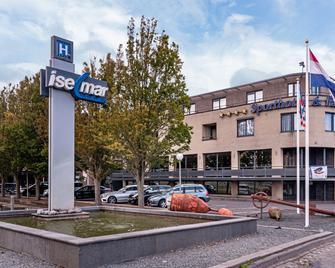 Hotel Iselmar - Lemmer - Building
