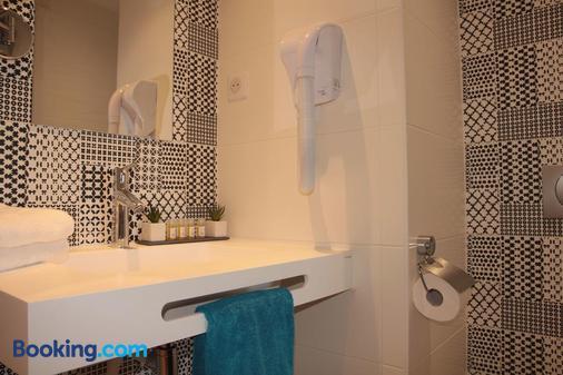 Le Cornouaille Hotel - Bénodet - Bathroom