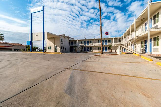 Motel 6 Blythe Ca - Blythe - Κτίριο
