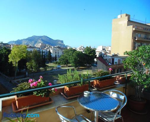 Bed And Breakfast Kemonia - Palermo - Balcony