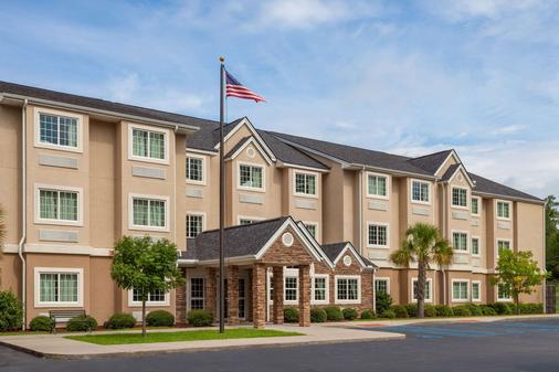 Microtel Inn & Suites by Wyndham Columbia/At Fort Jackson - Columbia - Rakennus
