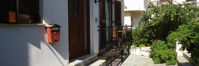 Pension Margarita - Skiathos - Building